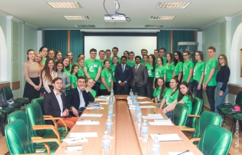The Consul General of India Mr. Shubham Kumar with students at Young Diplomats Program