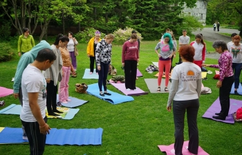 "Consulate General of India, Vladivostok organized Yoga master class with the support of ""Art of Living"" team."