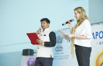 Consulate General of India in Vladivostok organized yoga masterclass in Far Eastern Federal University with support of Sarasvati and Shiva Shakti yoga studios.