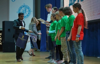 """Consulate General of India organized a Festival of Indian Culture at All-Russia Children Center """"Okean""""."""