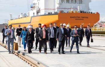 Visit of Sh. Hardeep Singh Puri, MoPNG to Vladivostok during EEF 2021.